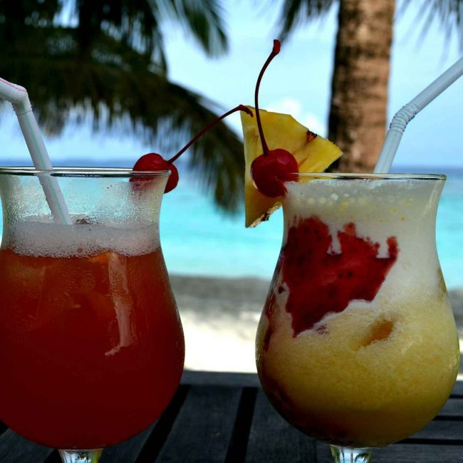 cocktails-648851_1920